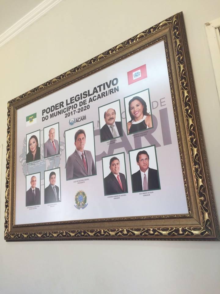Já está exposto na galeria da Câmara Municipal de Acari o quadro da Legislatura 2017-2020.