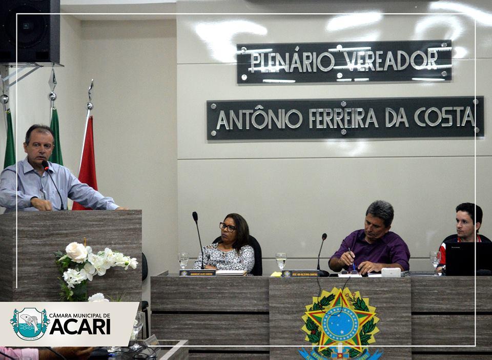 PREFEITO MUNICIPAL FAZ LEITURA DA MENSAGEM ANUAL DO PODER EXECUTIVO NA CÂMARA MUNICIPAL DE ACARI