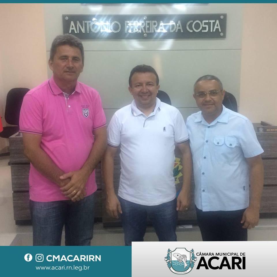 PRESIDENTE DA CÂMARA DE CAICÓ CONHECE DE PERTO AS INSTALAÇÕES DA CÂMARA DE ACARI